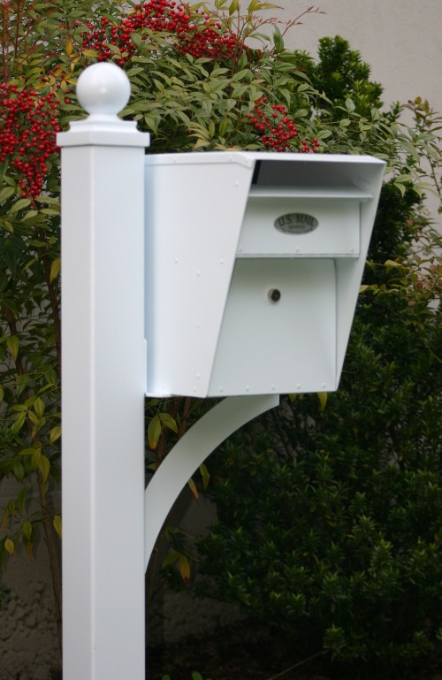 Double box decorative post locking mailboxes for Unique mailboxes with post